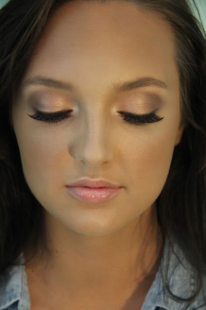 """Eyes: M⋅A⋅C """"Naked"""" pigment, Smashbox cream to powder shadow """"Quartz"""" a soft rose gold, and M⋅A⋅C eyeshadow """"Mulch"""" in crease."""
