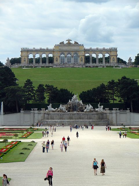 Schönbrunn Palace, Vienna, Austria..this is the memory I have of my school trip to Vienna..the eagle on the top of the Palace..v impressive