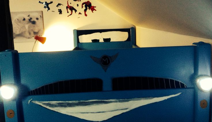 Painting bed for my boy's Looking like a car.