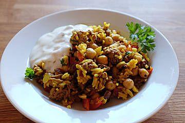 Hackfleisch-Reis-Pfanne mit Curry, Kichererbsen und Rosinen