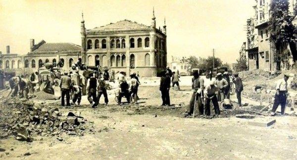 1940- Taksim Topçu Kışlası yıkımı