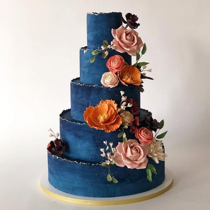 Midnight Blue Wedding Decorations: Midnight Blue Wedding Cake With Vibrant Flowers