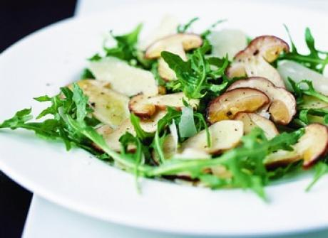 Salată cu ciuperci şi creson  http://www.realitatea.net/reteta-zilei-salata-cu-ciuperci-si-creson_924371.html
