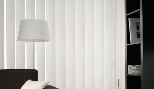 Witte stoffen lamellen van Solusions voor in uw woon, slaap of badkamer!