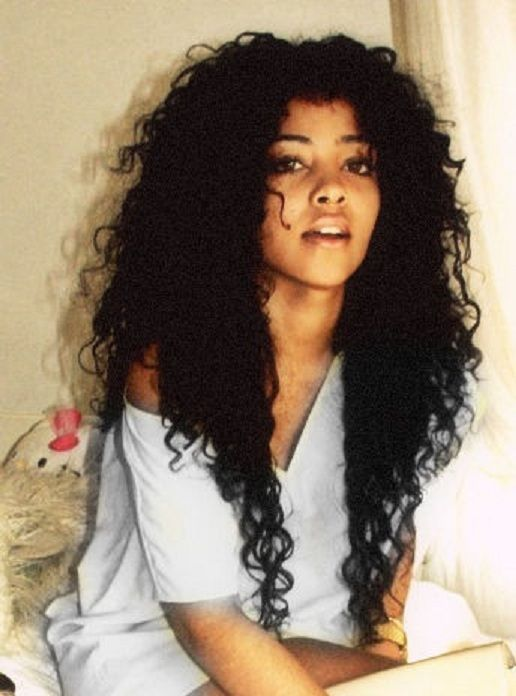 omg want!!!!! her hair is Ah-mazing