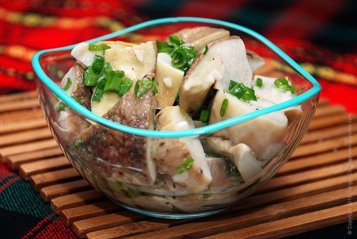 Закуска из грибов - изысканный салат из свежих лесных грибов