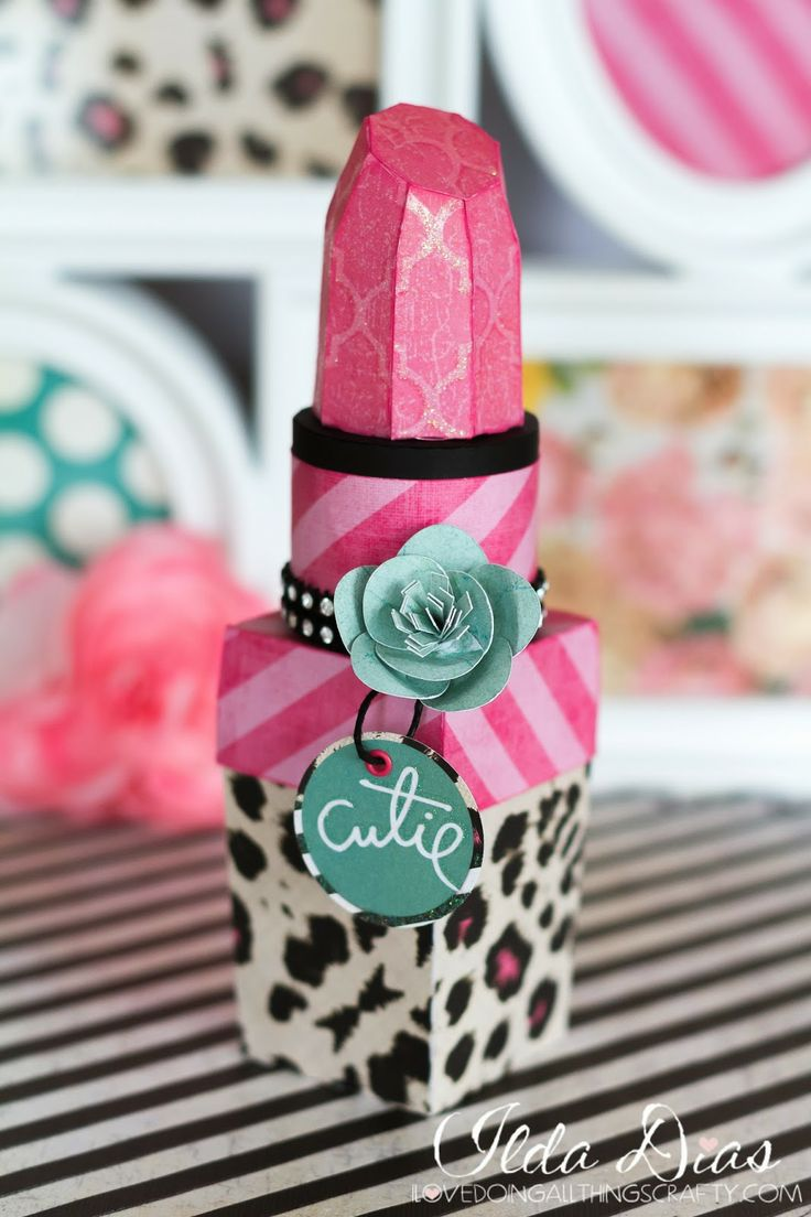 This is so adorable!  Ilda's Lipstick Box from DRESS SHOP SVG KIT is perfect for the teenager next door or your BFF or GF!  Add a special surprise inside, lip gloss for instance, wouldn't that be too cute!