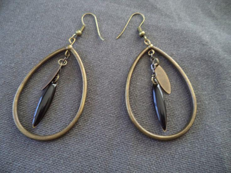 Boucles d'oreilles goutte bronze avec sequin bronze et noir : Boucles d'oreille par plumecreative