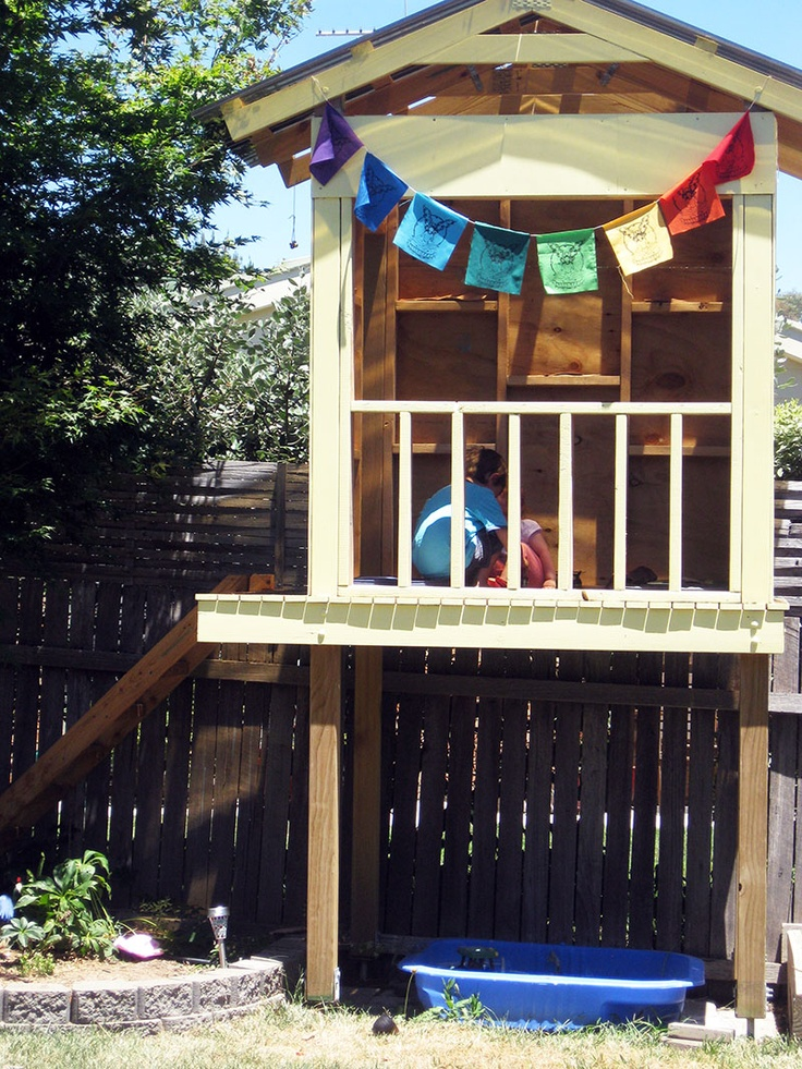 Happy Whimsical Hearts: At play... in the cubby house