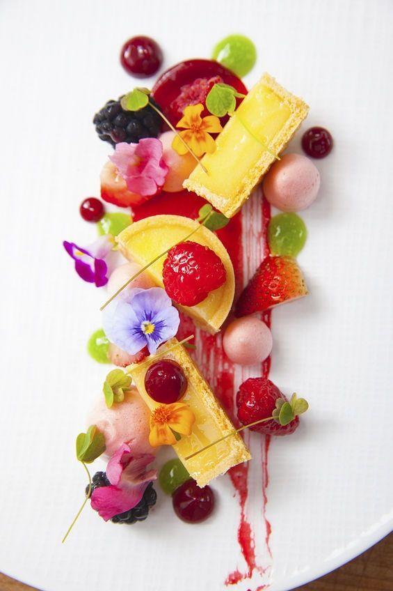 Fantastisch dessert met een geweldige kleurenpalet!