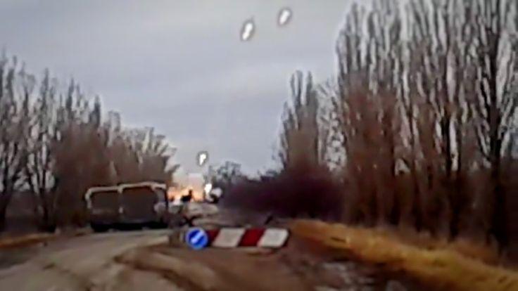 Украина: Грады АТО работают по ДНР - Ukrainian BM-21 Grad firing