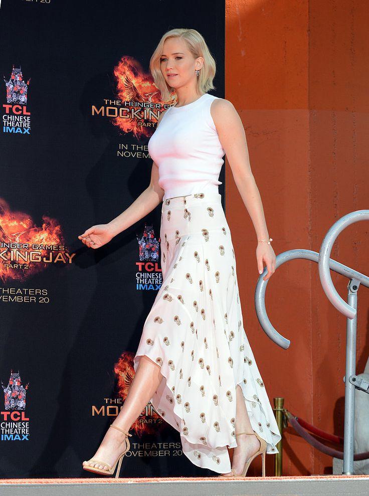 Jennifer Lawrence Wearing a White Maxi Skirt and Tank Top   POPSUGAR Fashion