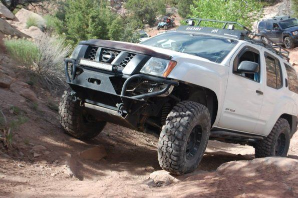 2nd gen xterra rock sliders white knuckle off road 1. Black Bedroom Furniture Sets. Home Design Ideas