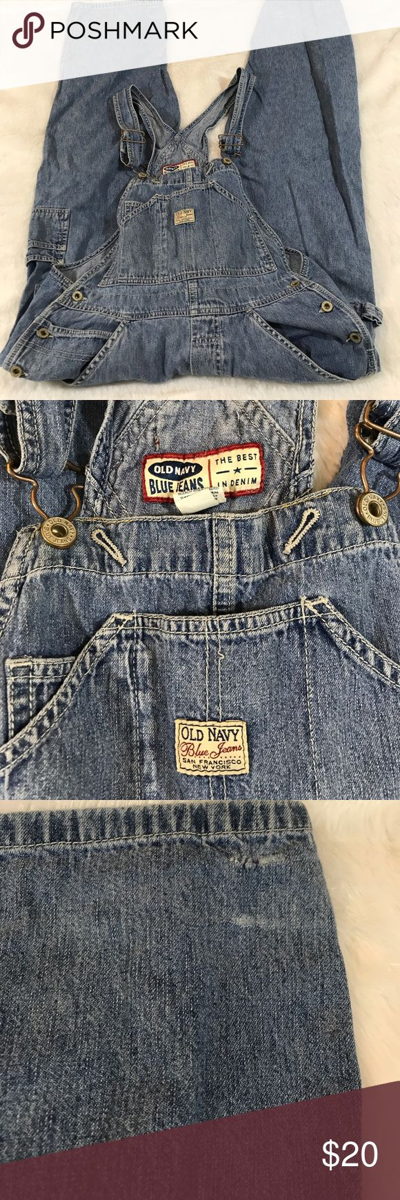 """Old Navy Denim Jean Overalls Small Women's Small Old Navy Overalls in good used condition. Adjustable straps, the only flaw I see is in the back of the legs (in pictures) the Denim is wearing. Inseam: 28"""" waist: 17.25"""" (A) Old Navy Pants Jumpsuits & Rompers"""