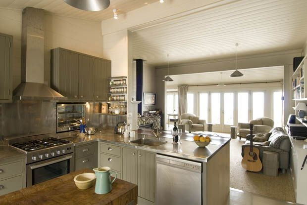 Waterfront Retreats - country style kitchen