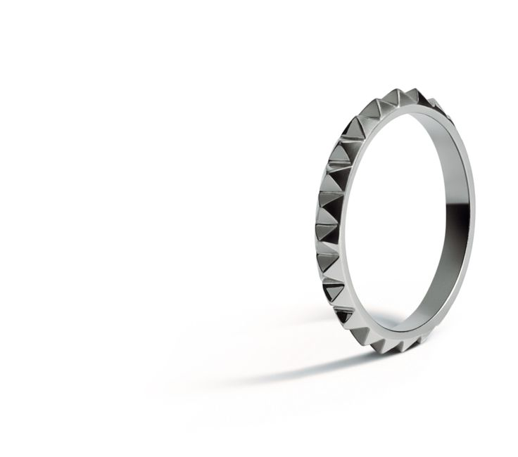 Punk Ring in 18K White Gold.