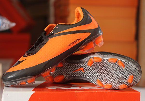 Jual sepatu bola nike hypervenom hitam orange murah,berkualitas