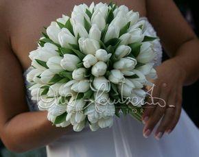 Elegante e delicato bouquet di tulipani bianchi.