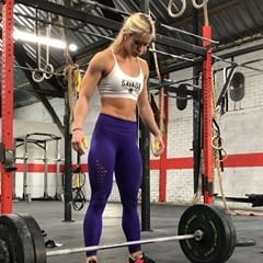 Complex snatch every 1'30 🏋️‍♀️💦 1 squat snatch rest pause 1 hang squat snatch 1 OVH squat @70-75-80-75% 🎥 60kg . 💜 sport bras @savage_barbell use code LOUISE -15% . ➡️ @vikingstraining #fitnessboutique #fitnessboutiquelimoges #crossfit #crossfitgirls #crossfitlife #wod #eatclean #healthy #snatch #weightlifting #gym #fit #fitfam #fitness #strong #squat #deadlift #justdoit #nike #builtbyragnar #vikingstraining #workout #muscleup #savagebarbell #crossfitcommunity #bixbyba