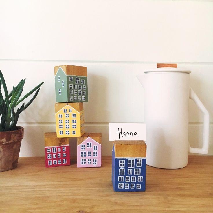 Danish Townhouse Place Card Holders   DIY from Scandinavian Gatherings