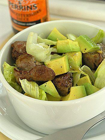 Wytrawna sałatka z wątróbek i awokado