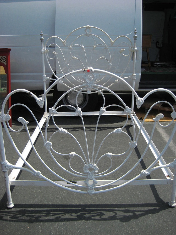 white iron bed