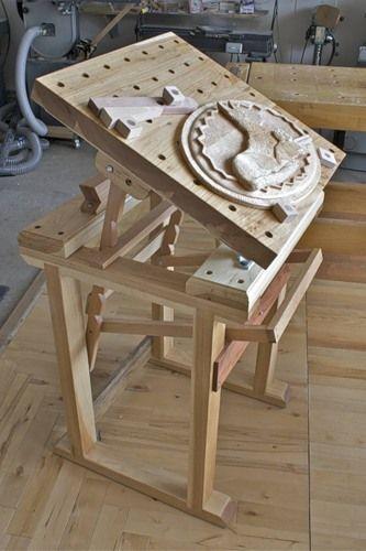 верстак, стол для резьбы.   Резьба по дереву, кости и камню