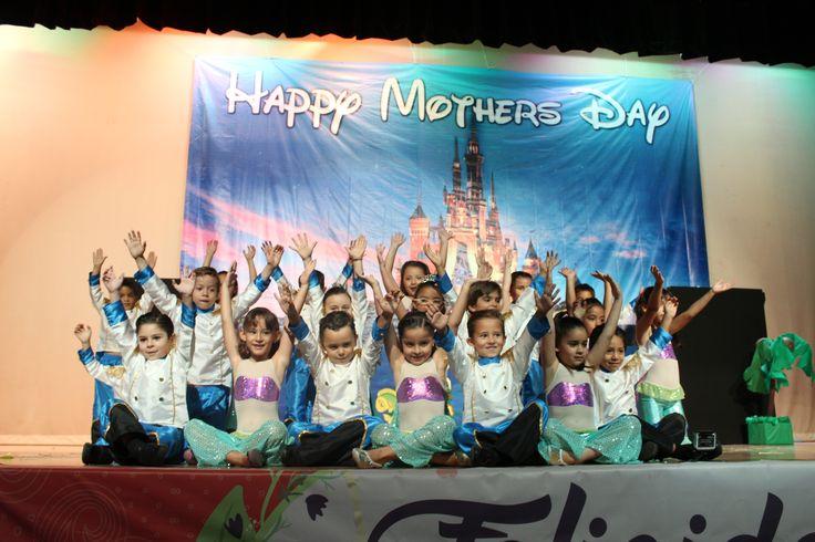 Festival día de las madres