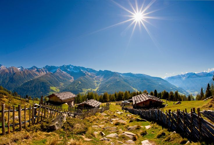 Sonnenburg Hiking weeks - Discovering the countryside and history of South Tyrol by foot!