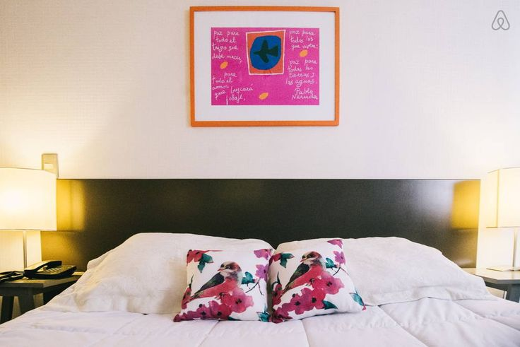 Apartamento en Santiago, Chile. Bellas Artes / Lastarria  Excellent location. 2 blocks distance to Lastarria St., in a modern condo complex, the studio is city living at its best. Safe, close to the metro, and within walking distance of many historic places and attractions  Mode...