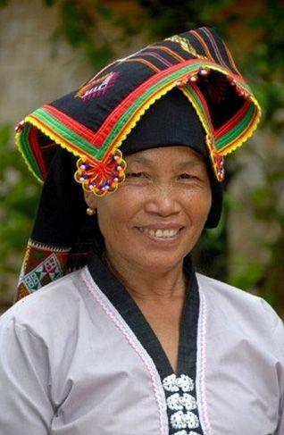 Laos | Woman of the Tai Dam tribe in traditional dress, Ban Monesavanh, Phongsali Province | © Stefan Auth