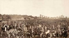 Missa campal celebrada em ação de graças pela Abolição da escravatura no Brasil. Missa Campal de 17 de maio de 1888 A Brasiliana Fotográfica identificou Machado de Assis na fotografia da Missa Campal de Ação de Graças pela Abolição da Escravatura.