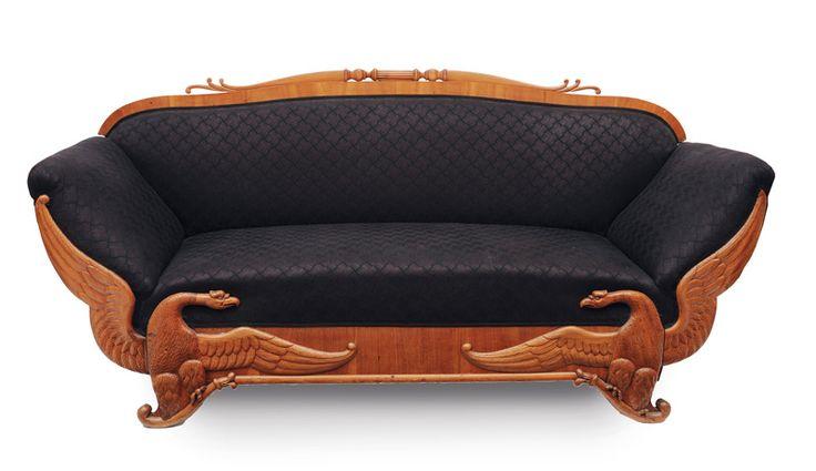 Seltenes Biedermeier-Sofa mit Greifen-Dekor