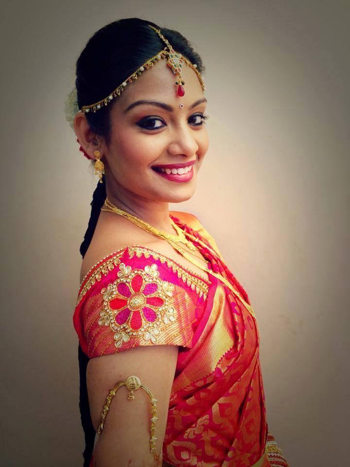 Traditional Indian bride wearing bridal hair, saree and jewellery. Muhurat look. Makeup by Swank Studio. Find us at https://www.facebook.com/SwankStudioBangalore