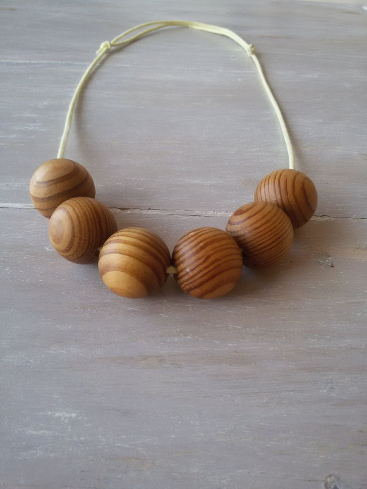 Chunky wooden bead necklace. 30mm wooden bead necklace. Dark varnish wooden beads with grains by MerakibyStevie on Etsy