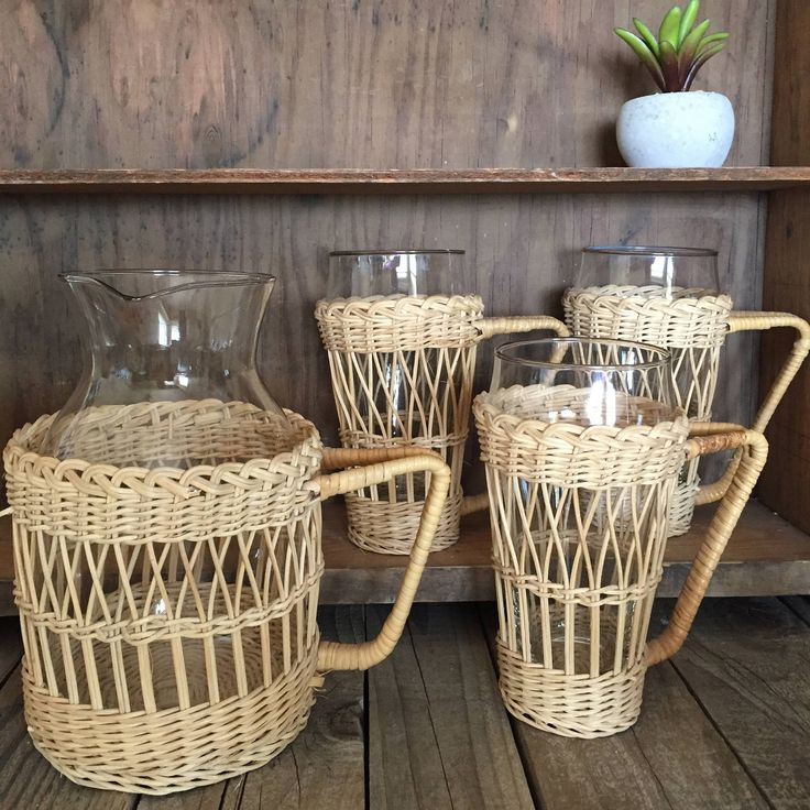Boho, vintage carafe and 3 cups with basket wrap, rattan look, jungalow, coffee glass carafe 6 glasses juice set eclectic decor ice tea