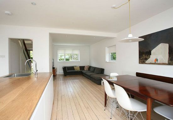 On the market: 1960s Child Brothers-designed three-bedroom townhouse in Whitstable, Kent on http://www.wowhaus.co.uk