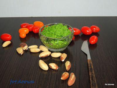 Moje Małe Czarowanie: Pesto z liści rzodkiewki z olejem lnianym