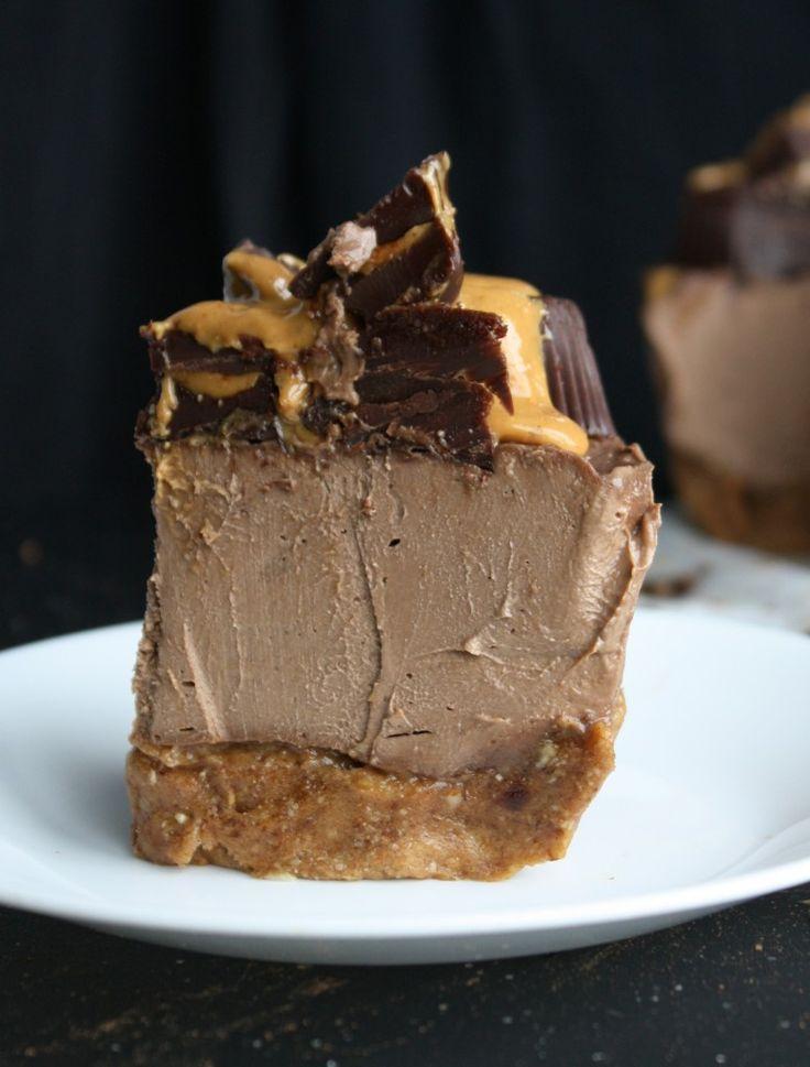 "iloveyoulikekanyeloveskanye: ""veganfoody: "" Raw Vegan Chocolate Peanut Butter Cheesecake "" i would follow this cheesecake into war """