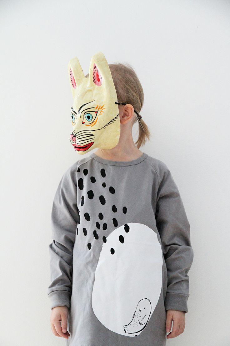 Hay mask and Papu shirt