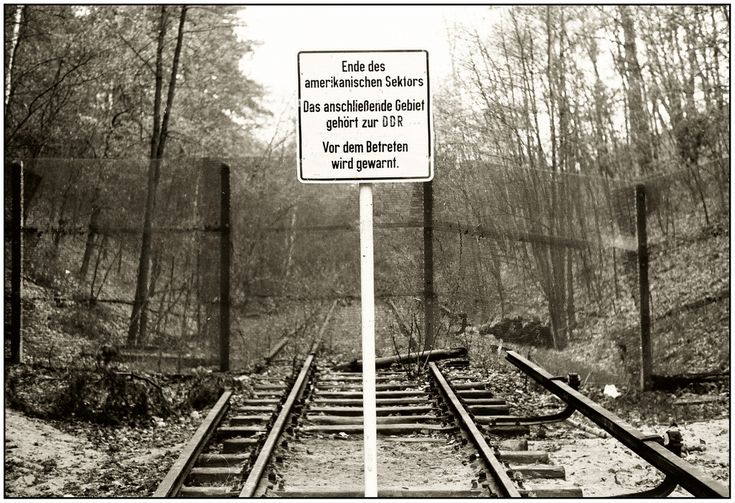 Berlin am 7.5.1980 S - Bahnstrecke Wannsee - Dreilinden