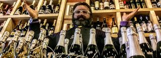 CERVEZA YAÑEZ imaginada al alimón con ORDIO MINERO.Espíritus afines creando nueva original cerveza: Estamos abiertos!