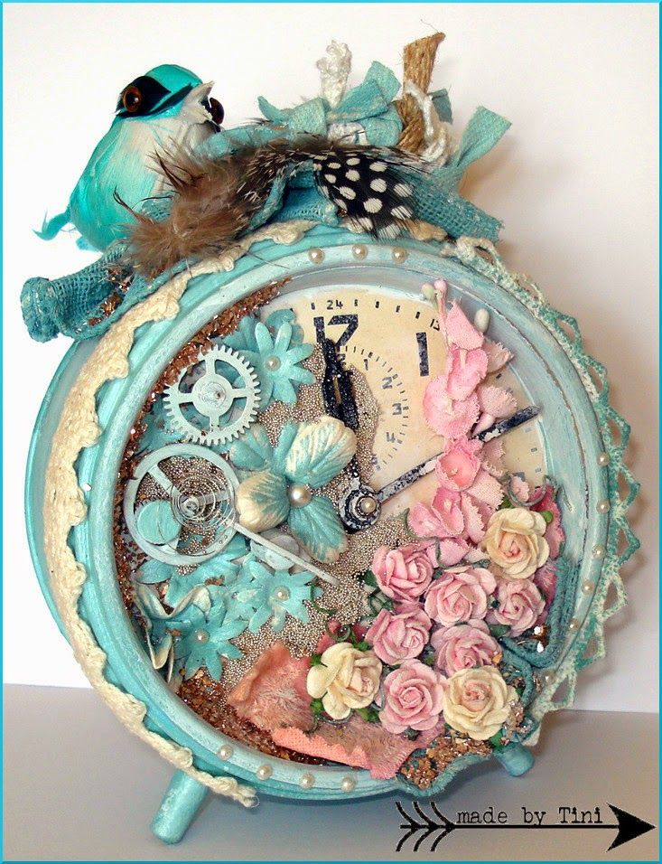 Altered Clock - Arts by Tini Looks similar to the little blue clock I did in blue and yellow with bumble bees. Turned out really cute!