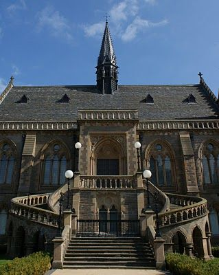 McManus Galleries Dundee Scotland