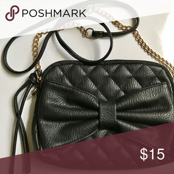 🖤Black Faux Leather Cross-body Bag •Used only once for formal event• Soft black faux leather with bow detail. Gold chain and black leather strap. Beautifully kept. No offers/trades please👽 Charlotte Russe Bags Crossbody Bags