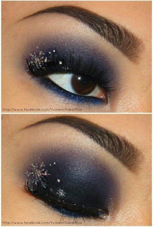 Snowflake Eyes - 10 Stylishly FestiveChristmas Makeup Ideas