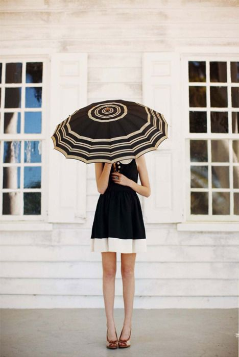 umbrella chic: Blackandwhite, Fashion, Umbrellas, Style, Black And White, Parasol, Dresses, Black White, Photography