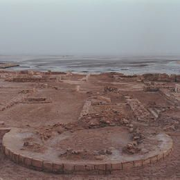 ©Editions Gelbart / Jean-Jacques Gelbart Qal'at al-Bahrain – Ancient Harbour and Capital of Dilmun Qal'at al-Bahrain is a typical tell – an artificial mound created by many successive layers of human occupation. The strata of the 300 × 600 m tell testify to continuous human presence from about 2300 BC to the 16th century AD.