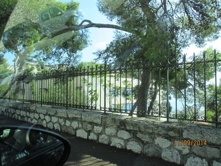 Slingrande vägar mellan Nice och Monaco