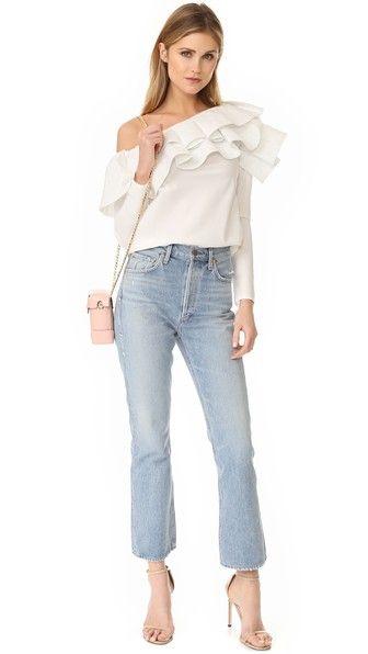 Блуза молочного цвета на одно плечо